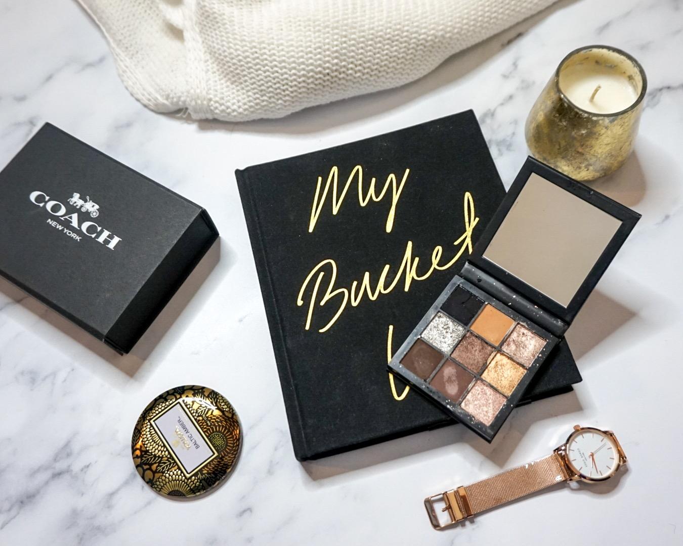 A Beauty Guru Made Me Do It | Huda Beauty Smokey Obsessions Eyeshadow Palette Review_Flat Lay